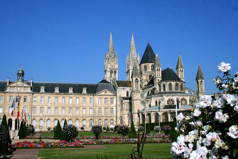 Vivir en Caen: la abadía para los hombres