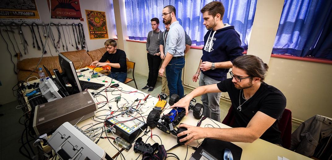 Projet Immersif Electronique du 11 au 22 septembre.