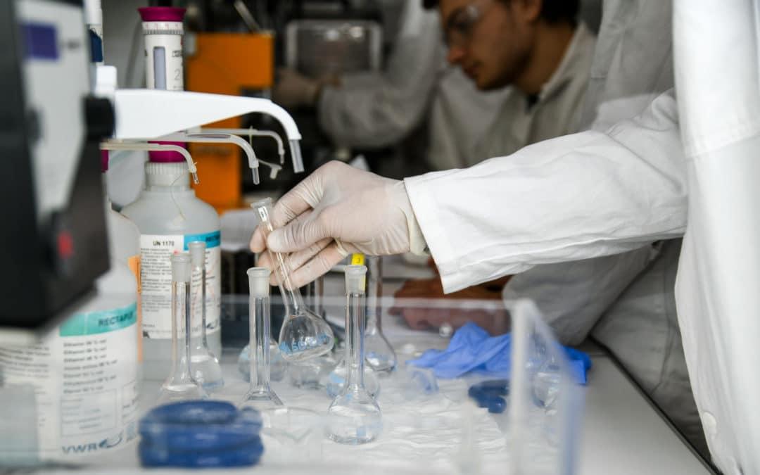 École universitaire de recherche XL-Chem : des chimistes entrepreneurs d'avenir